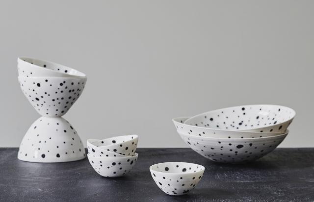 5456_ff03db859b-pot6_1-dalmatian-bowls-small-zoom.jpg